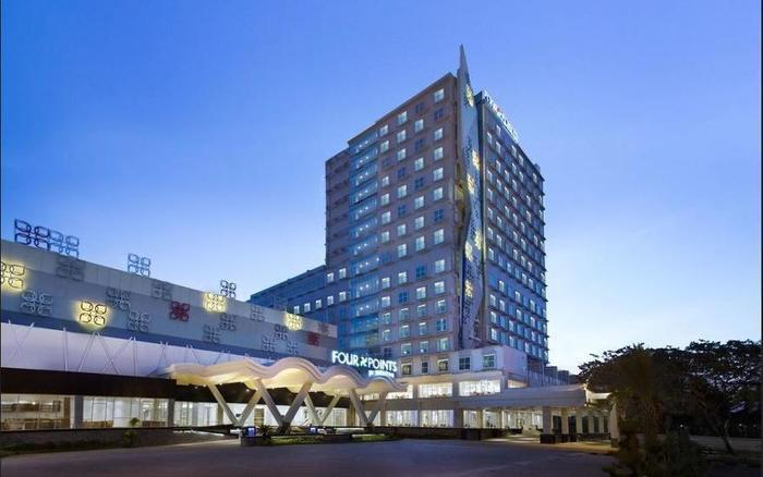 Four Points By Sheraton Makassar - Guestroom