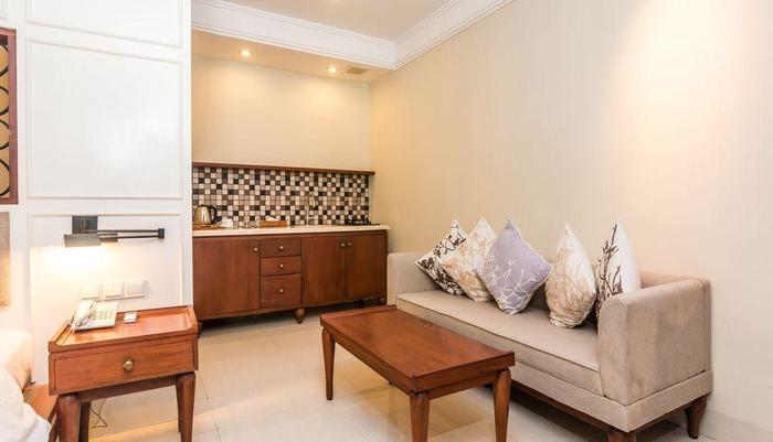 ZEN Premium Dewi Saraswati Seminyak Bali - Fasilitas Kamar