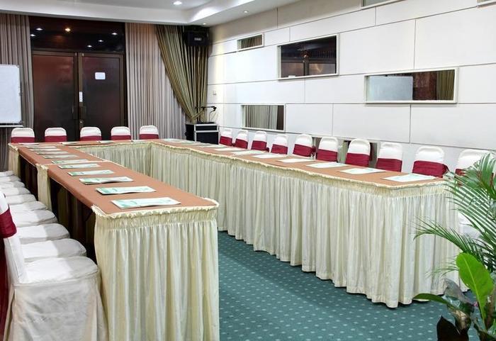 New Grand Park Surabaya - Akasia Meeting Room