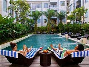 Umalas Hotel & Residence Bali - Kolam Renang