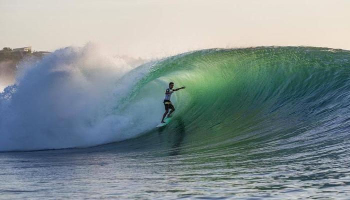 S Resorts Hidden Valley Bali - Kegiatan Surfing