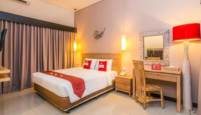 ZenRooms Seminyak Eka Laweya Bali - Tempat Tidur Double