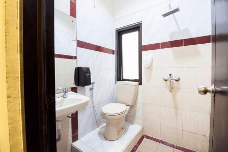 Tinggal Standard Gubeng Karang Menjangan 17 Surabaya - Kamar mandi