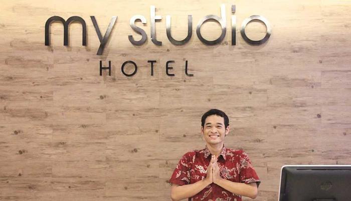 My Studio Hotel Surabaya - Reception