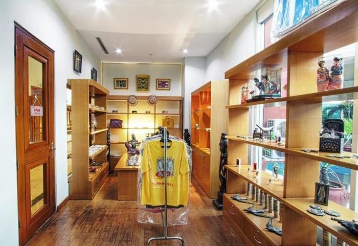 Hotel Sahid Jaya Makassar - Souvenir Shop
