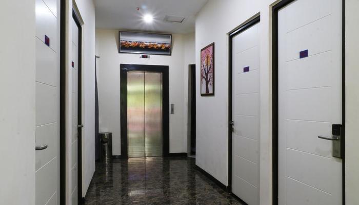 Hotel Celvasha Jakarta - Hallway