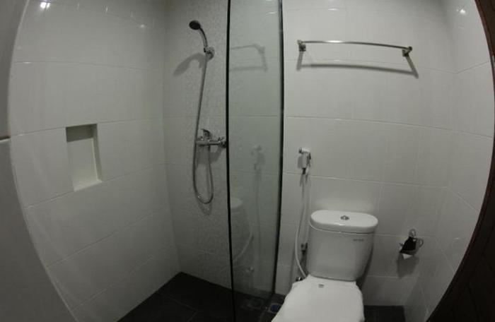 Hotel Amantis Demak - Bathroom