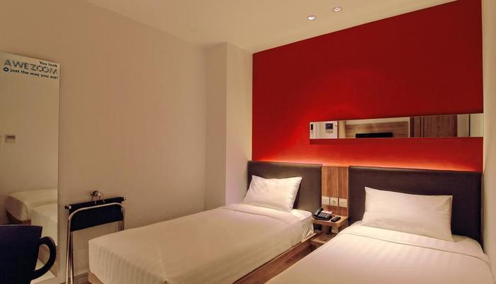 Zoom Hotel Jemursari Surabaya - Sleeping