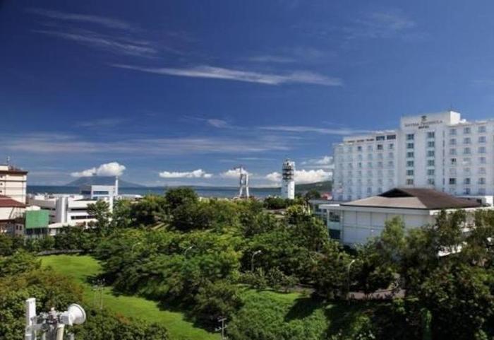 Sintesa Peninsula Manado - Appearance