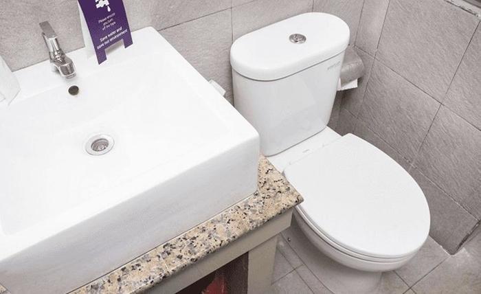 Tinggal Standard at Seminyak Batu Belig - Kamar mandi