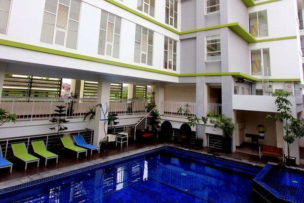 Hotel Dafam Fortuna Seturan - Pool