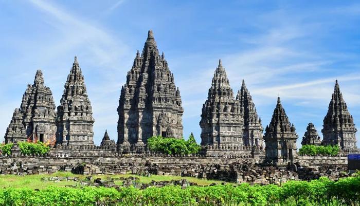 Hotel Dafam Fortuna Seturan - Prambanan Temple