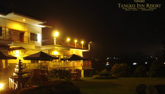 Tangko Inn Resort Cianjur - Pemandangan malam