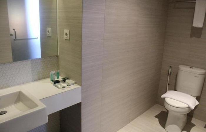 Pesonna Hotel Tegal Tegal - Kamar mandi