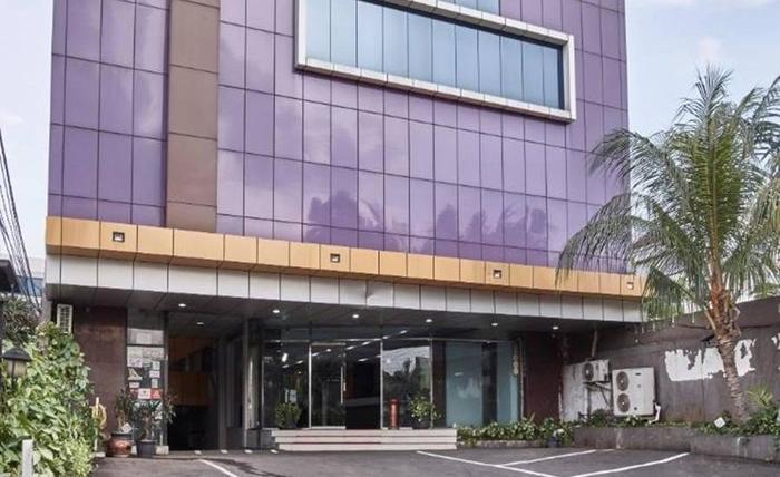 Hotel Alma Jakarta - Tampilan Luar Hotel