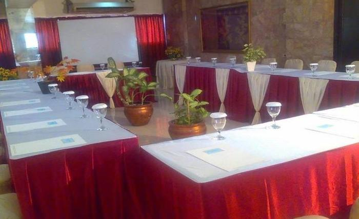 Hotel Alma Jakarta - Ruang Rapat