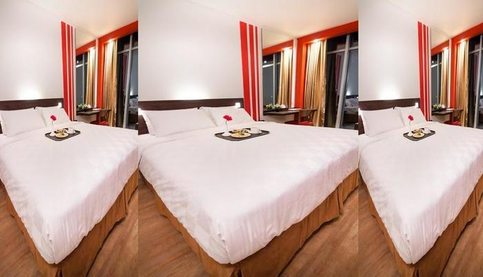 Redstar Hotel Jakarta - 5