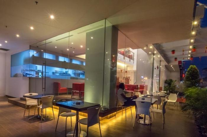 Redstar Hotel Jakarta - 10