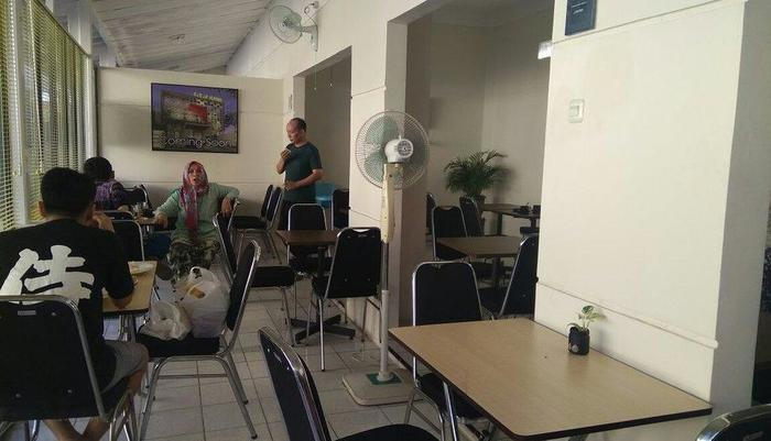 Saras Hotel Tuban - Dining room