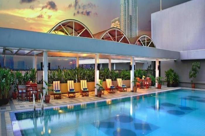 Aston Kuningan Suites Hotel Jakarta - Kolam Renang