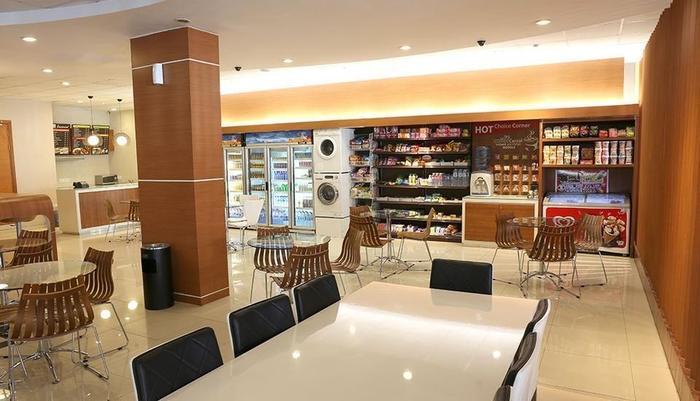 Citihub Hotel at Sudirman Surabaya - Lobby