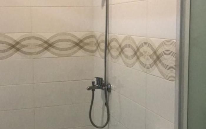 100 Meters Toll Access Kopo Hostel Bandung - Kamar mandi