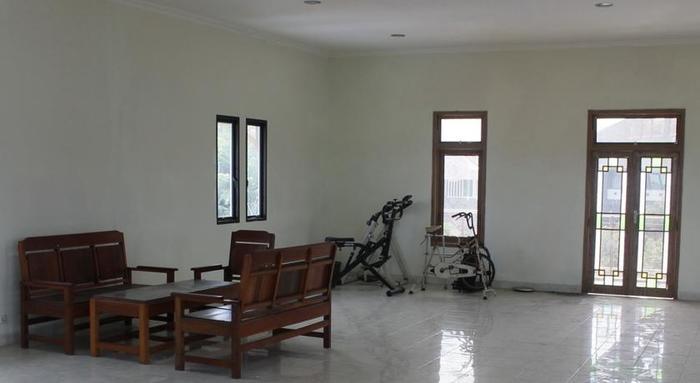 Imam Bonjol Hostel Semarang - Interior