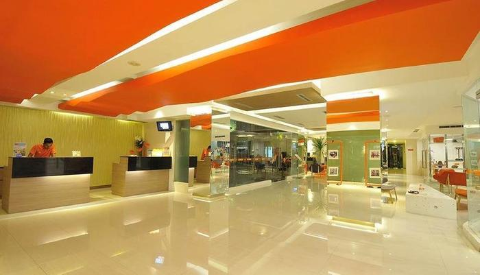 HARRIS Hotel Kuta - Lobby