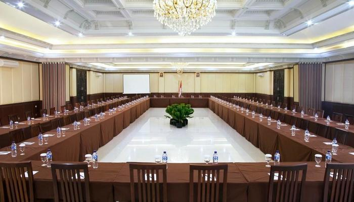 Green Garden Resort Serang - Meeting Room