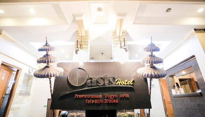Hotel Oasis Jogja - Suasana malam hari di Oasis Hotel Jogja