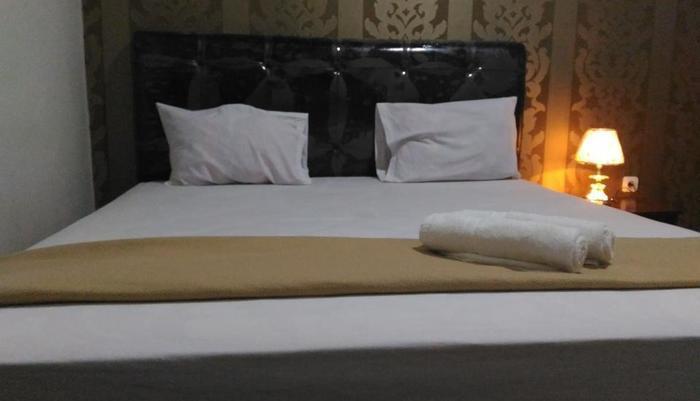 Tiara Guest House Banjarmasin - Deluxe Double Room