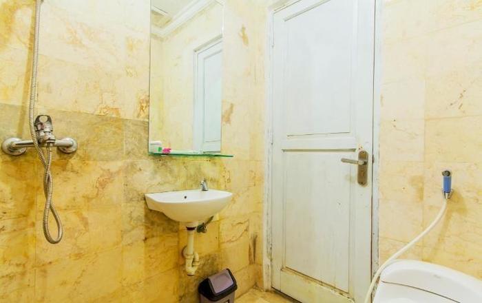 Albis Hotel Bandung - Bathroom