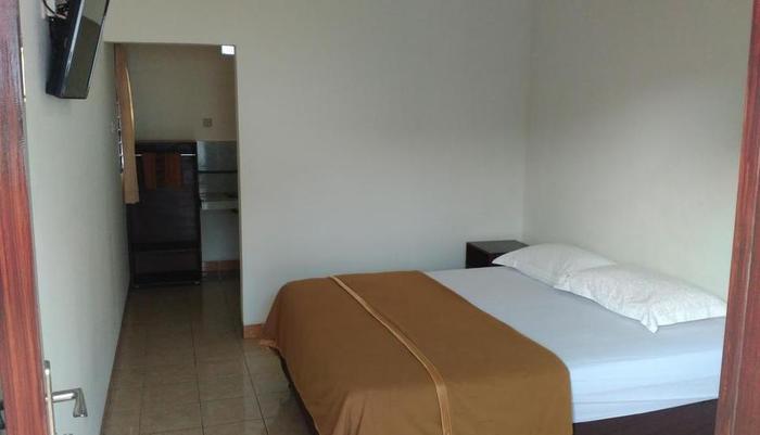Ninety Nine Guesthouse Lombok - ROOM