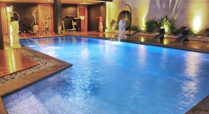 Puri Denpasar Jakarta - pool