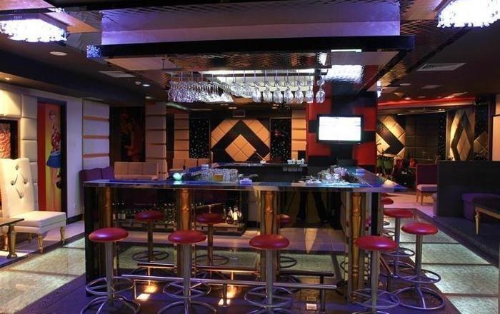Swiss-Belhotel Manado - Bar