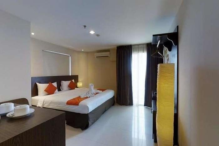 The Gloria Suites Jakarta - Lavender Business Suites (Long Stay Package)
