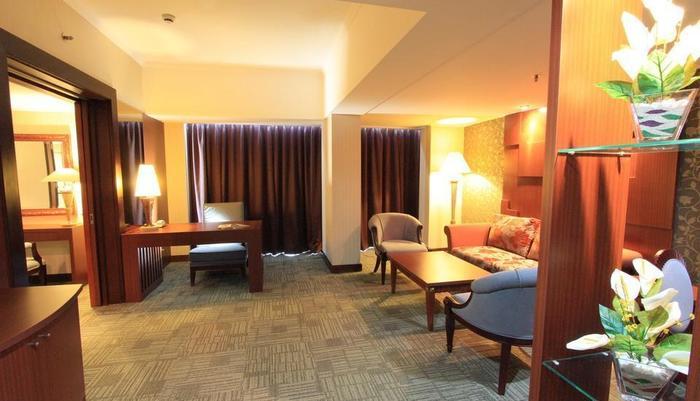 Hotel Treva Menteng Jakarta - Ruang Tamu Kamar Grand Suite