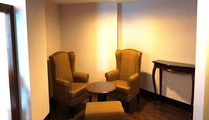 Kyriad Hotel BumiMinang Padang - Ruang tamu