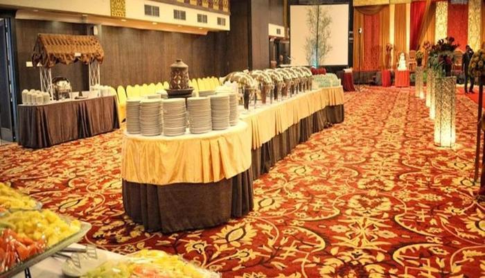 Kyriad Hotel BumiMinang Padang - Ballroom