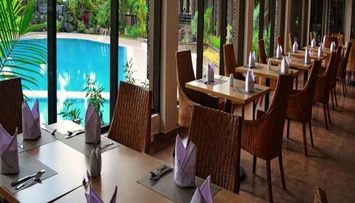 Kyriad Hotel BumiMinang Padang - Restoran