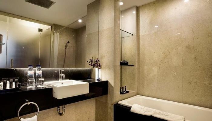 Grand Zuri BSD City - Kamar mandi Junior Suite