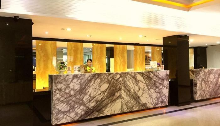 Grand Hawaii Hotel Pekanbaru - Lobby