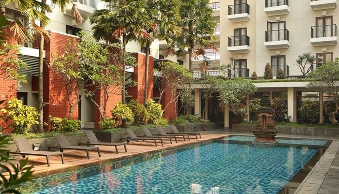 Hotel Santika Premier Malang - Kolam Renang