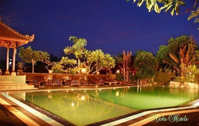 Nicks Pension Hotel Bali - Kolam Renang
