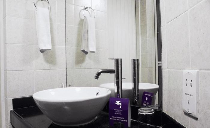 Tinggal Standard Cilandak Barat Jakarta - Kamar mandi
