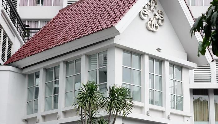 Grand Darmo Suite Surabaya - Exterior