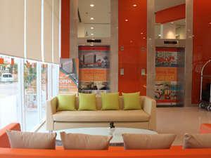 HARRIS Hotel Batam Center - Lobby Area