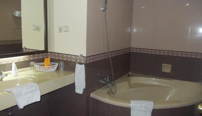 Hotel Prima Cirebon - Bathroom Executive Suite