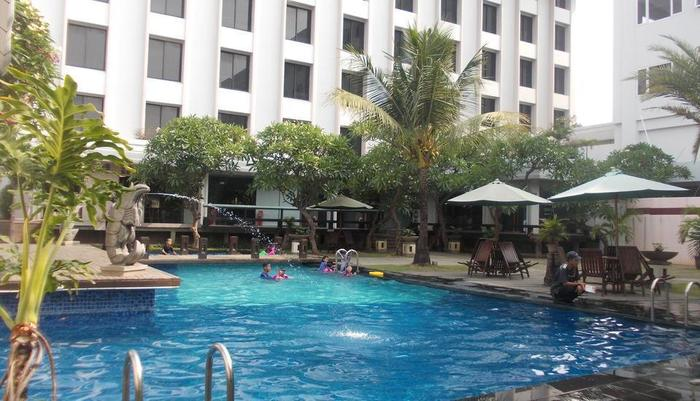 Hotel Prima Cirebon - Swimming Pool