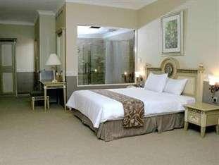 Twin Plaza Hotel Jakarta - Kamar Grand Studio Suite